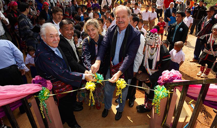Pasquale Pistorio, Gianni dalla Rizza (in back), Wiwat Sokaku, Elena Pistorio, His Excellency Ignazio di Pace.