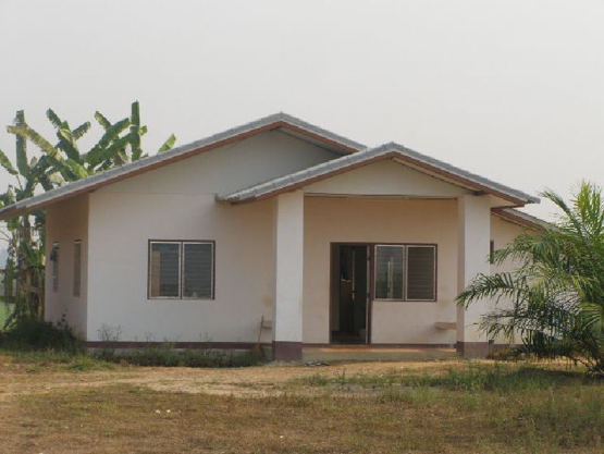 Accomodation for 4 Teachers each equipped with bathroom in Ban Mhai Pattaná School.