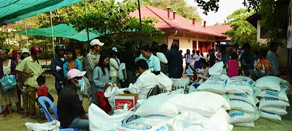 Rice distribution to families of beneficiaries